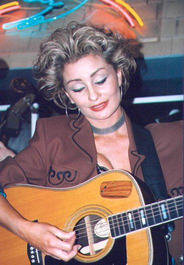 Sweethearts Of The Rodeo Bluebird Cafe 1999